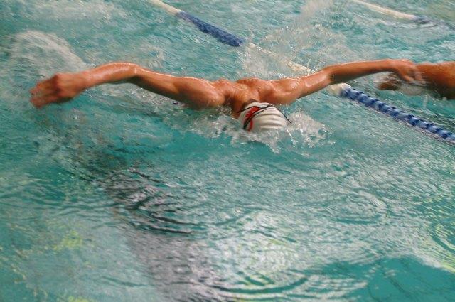 Como surgiram os estilos de natação