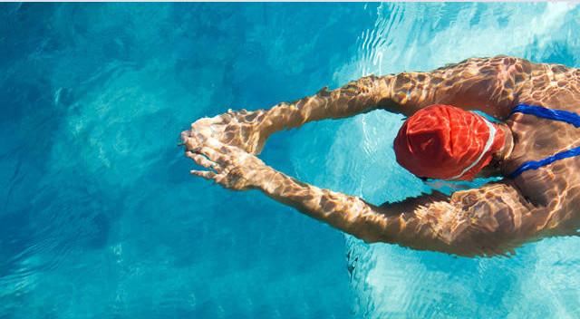 Como conciliar a natação e uma alimentação saudável